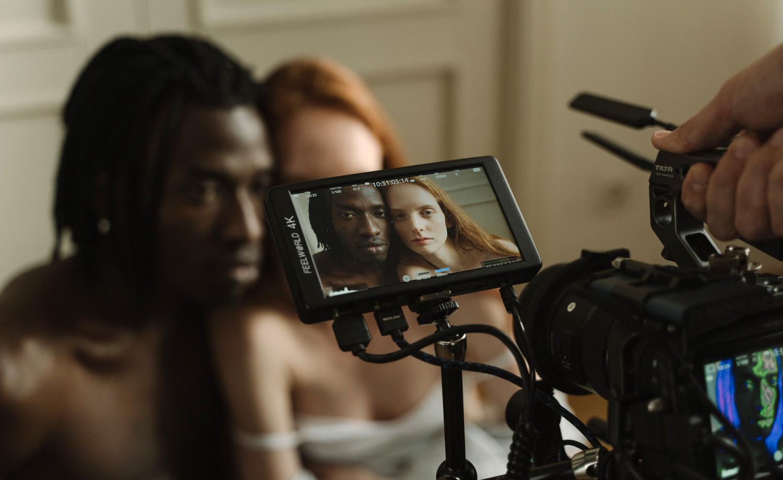 Intimacy coordination on set